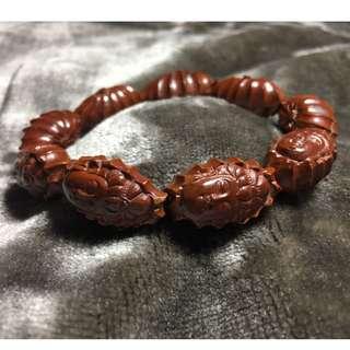 橄欖手雕手環