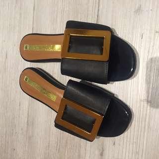 方金框平底黑色拖鞋23.5