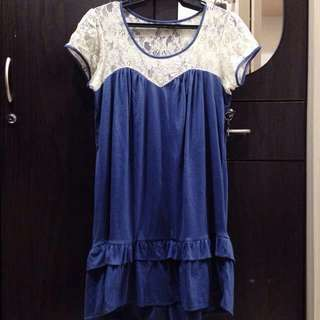 BLUE DRESS WITH LACE DETAIL