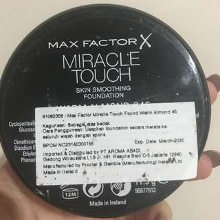 Max Factor Foundation (Warm Almond - 45)