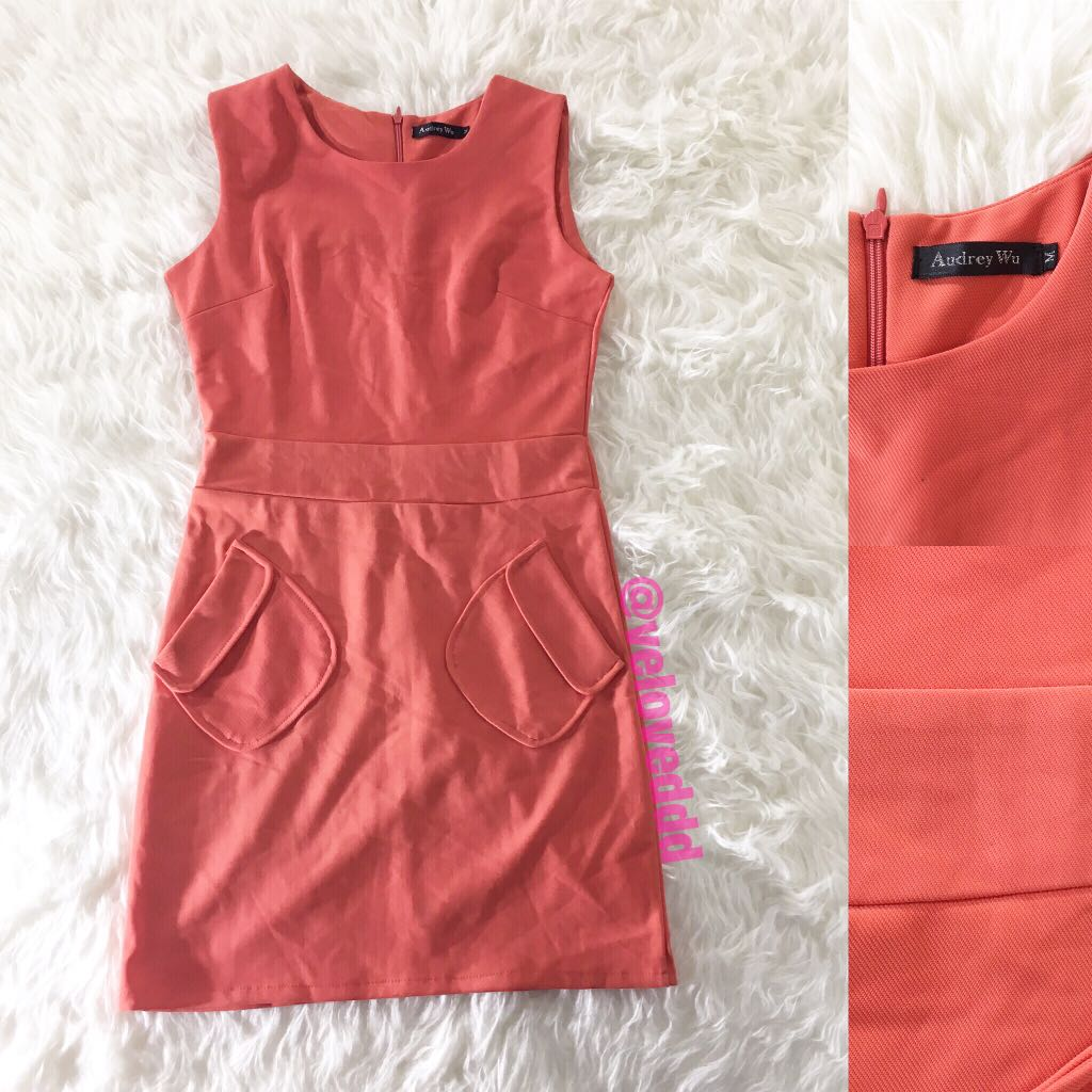 *Audrey wi peach apricot dress