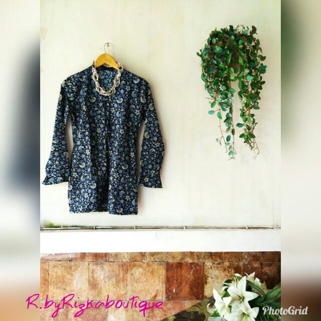 Dear Line Navy Batik Blouse