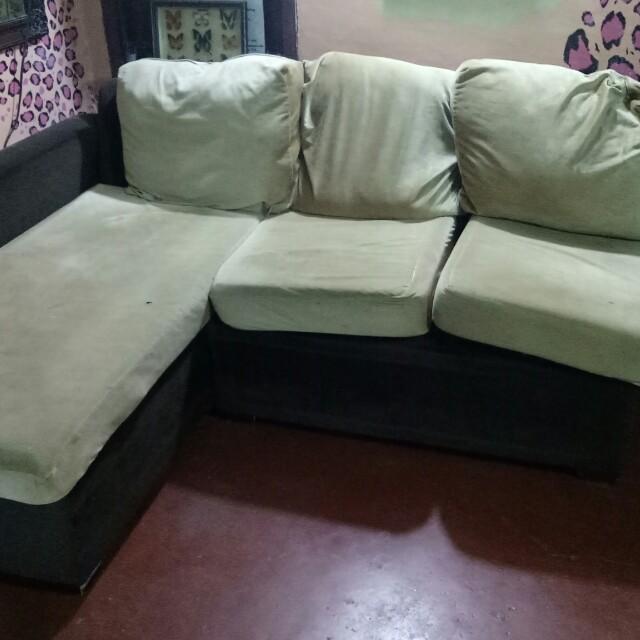 Lshape sofa(sign of usage)
