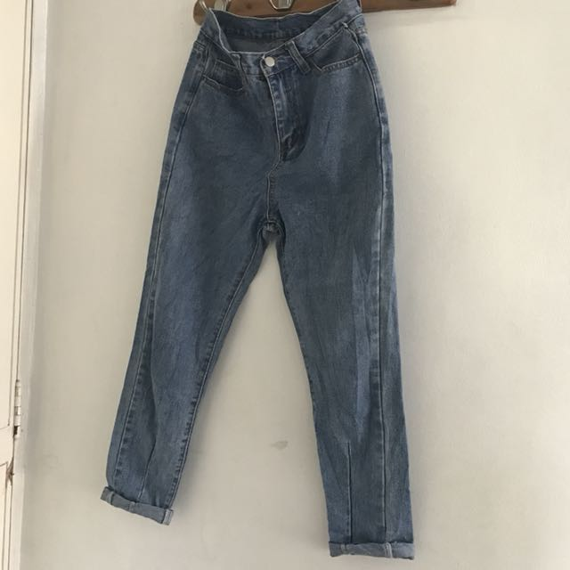 MOM JEANS SIZE 26-27