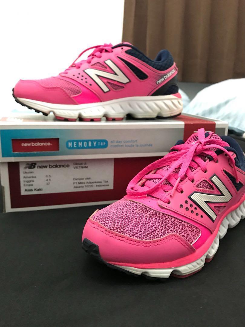 New Balance Running Shoes Original Pink W675PN2 Sepatu Olahraga Wanita 2e63020896