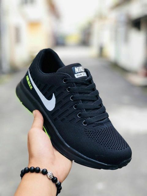online store a610d 2744f Nike Zoom Airmax 2018 V2, Men s Fashion, Footwear on Carousell