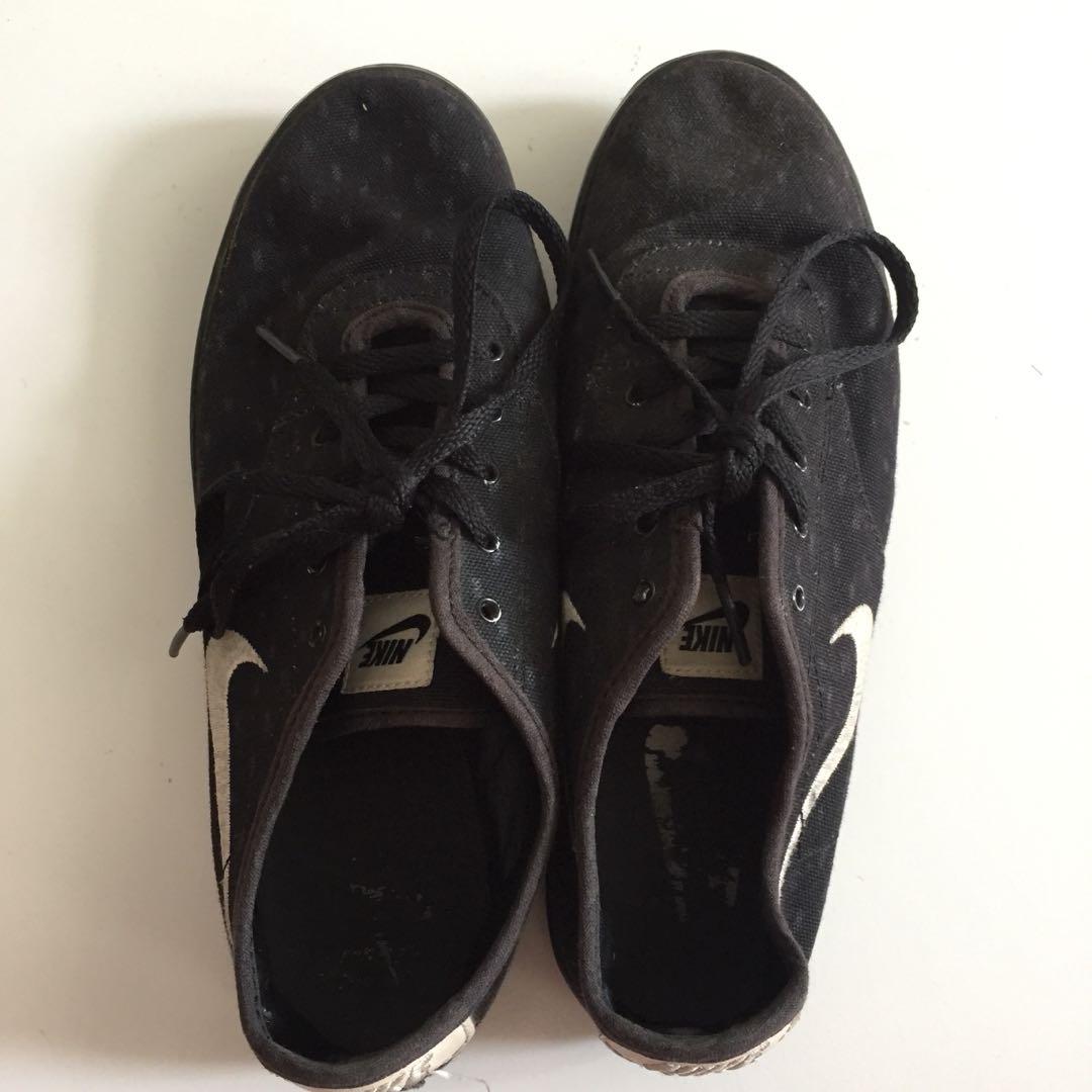 Sneakers Nike Preloved Fesyen Wanita Sepatu Di Carousell