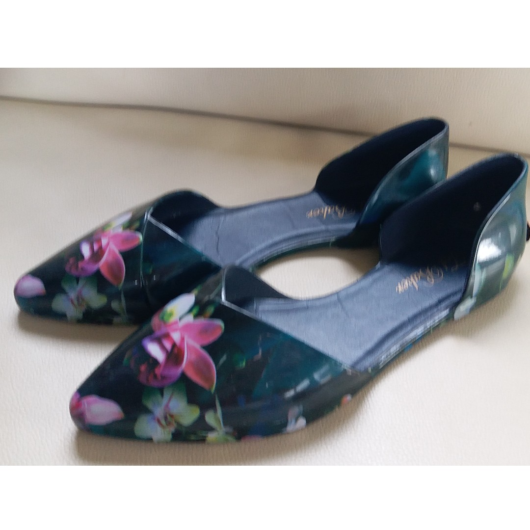 ab99a4d96beb56 Ted Baker Black Floral Jelly Sandals Flats Shoes Size 6 EU 37 ...