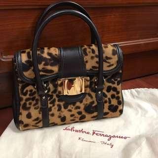 Salvatore ferragamo豹紋皮草手提包