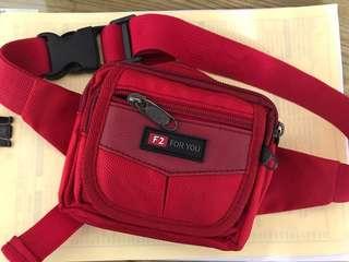 紅色多層小腰包
