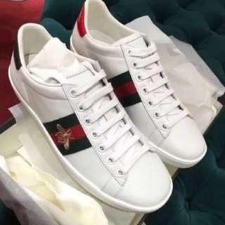 小蜜蜂白鞋