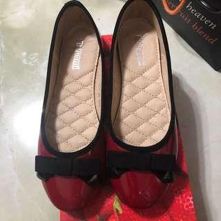 Momomi shoes