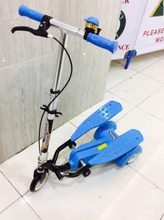 Blue Swing Pedal Scooter