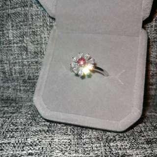👑罕有天然斯里蘭卡星光粉紅色藍寳石18K白金包純銀戒指🌠主石圓3.8mm小巧精緻花朵款 精工鑲嵌開口圈💎Silver Natural Pink sapphire Ring