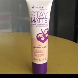 100% aunthentic rimmel stay matte foundation.
