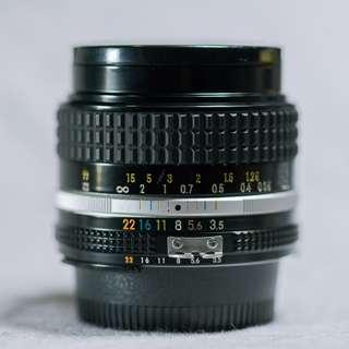 Nikon Nikkor 28mm 3.5 AI-S (Nikon F-Mount Manual Lense)