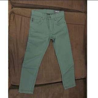 BNWT TERRANOVA KIDS jeans (4-5y) SRP995