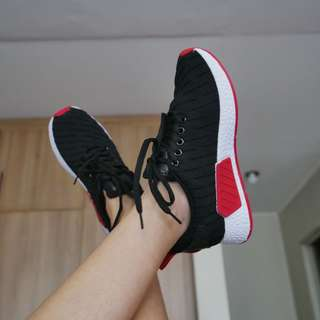 Marko black sneakers