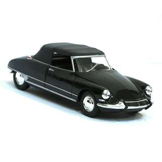 Citroen DS19 Diecast Model Car 1:24 by Welly