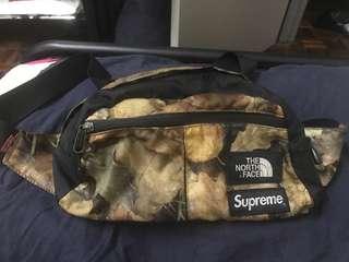 Supreme X the North Face waist beg ss17