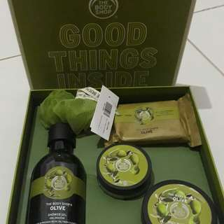 the body shop gift small olive collection