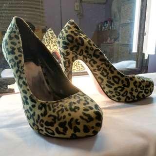 So Fab Pump Shoes