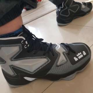 cheap for discount 06831 74d12 Men Adult Boy High Quality Sneakers Black and White Basketball Boots Indoor  Basketball Shoes