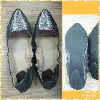 Butterfly Twist Flat Shoes