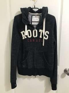 Roots 胡椒黑連帽外套
