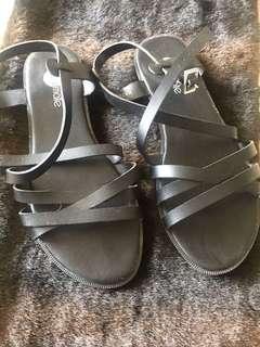 Solemate Black Sandals