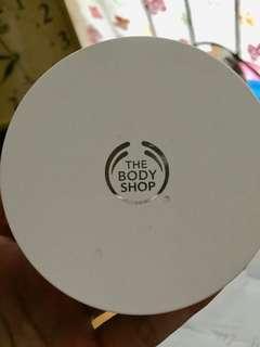 The Bodyshop cushion foundation