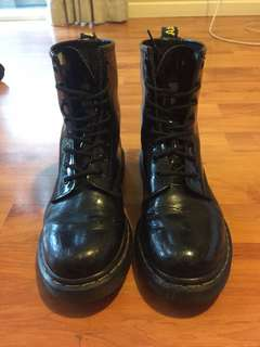 Doc Martens (Patent leather)