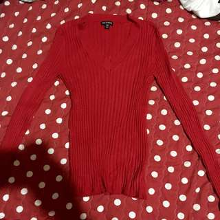 Red knitted long sleeves
