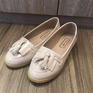 Grace Gift 白色亮皮革英倫平底鞋23