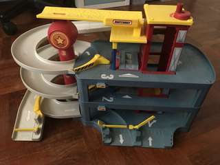 Matchbox Garage Used in excellent condition
