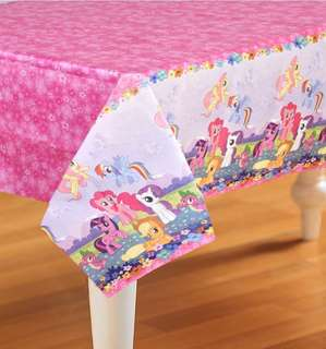 My little pony tablecover.