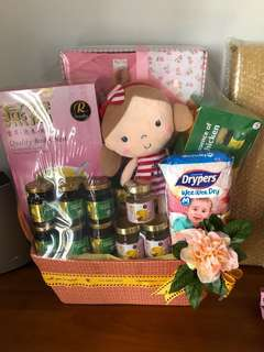 Hummings Baby Girl Hamper