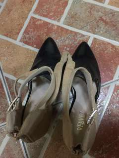 Velvet (Preloved) - Size 8