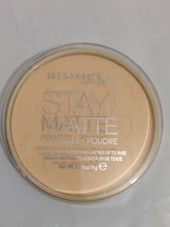 *Rimmel Stay Matte Pressed Powder-transparent