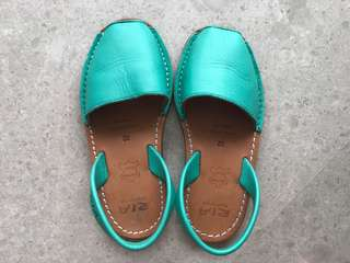 Girls Ria Menorca Sandals in Turquoise Sz 32