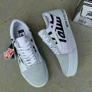 Sepatu Vans Patta white