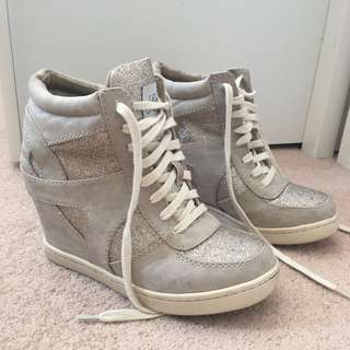 Lipstik Shoes Wedge Sneakers