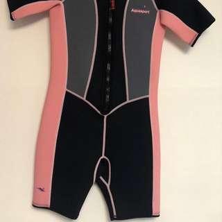 100% new 游泳保暖衣 size 10