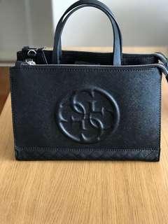 Guess blk bag