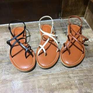 平底涼鞋(兩對9折)