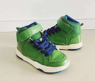 Kids shoes / boys shoes by H&M green (size : 26)