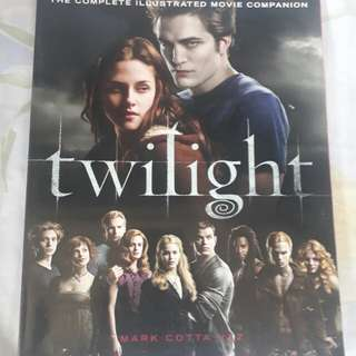 Twilight : the complete illustrated movie companion