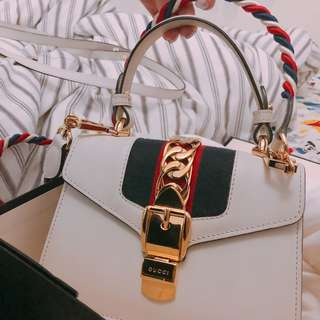 Gucci sylvie mini bag <no bargain> 有心買先好pm