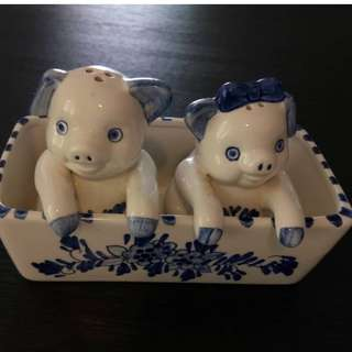 Authetic Dutch Handpainted Salt & Peppar Pigs