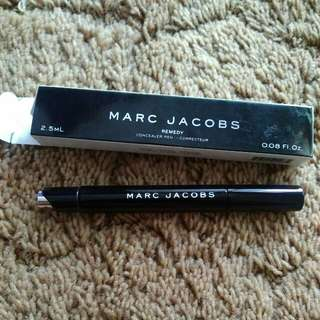 Concealer pen' correcteur MARC JACOBS